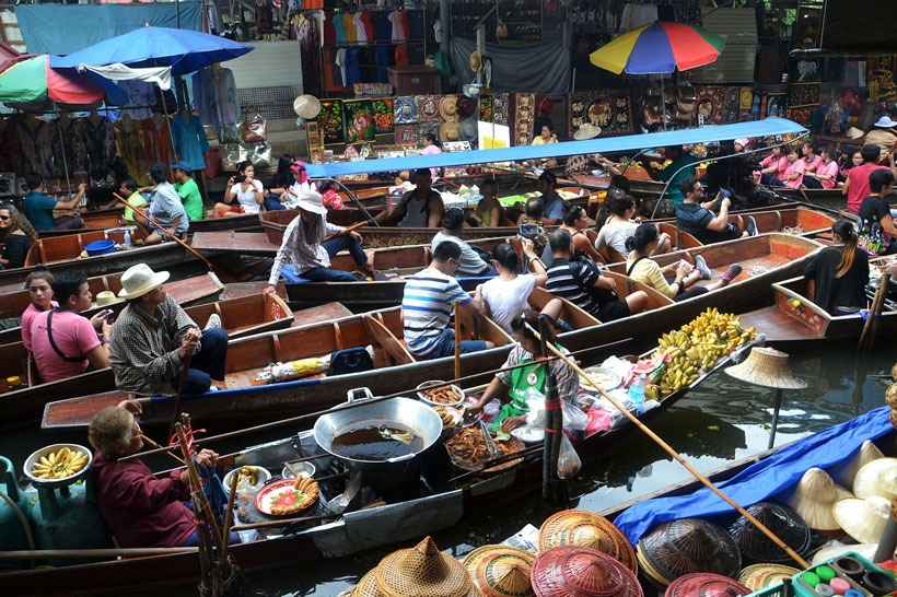 Floating market Bangkok with kids